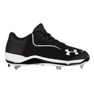 Under Armour ignite low top baseball cleats
